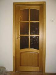Изготовление дверей и лестниц из дерева.