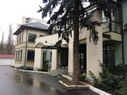 Отличное отдельно стоящее двухэтажное здание в Соломенском районе.